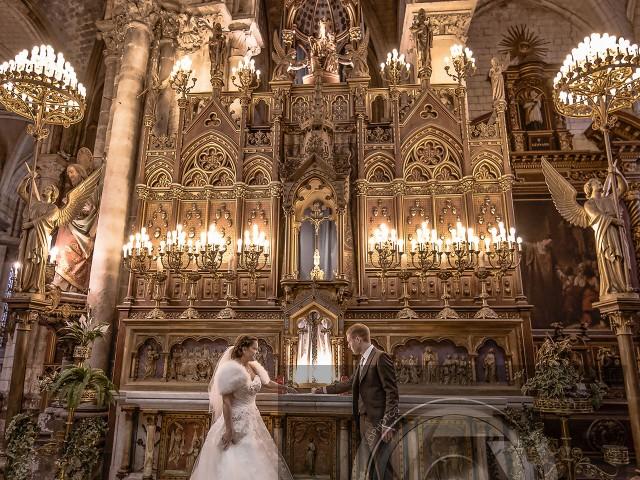Sur l'autel